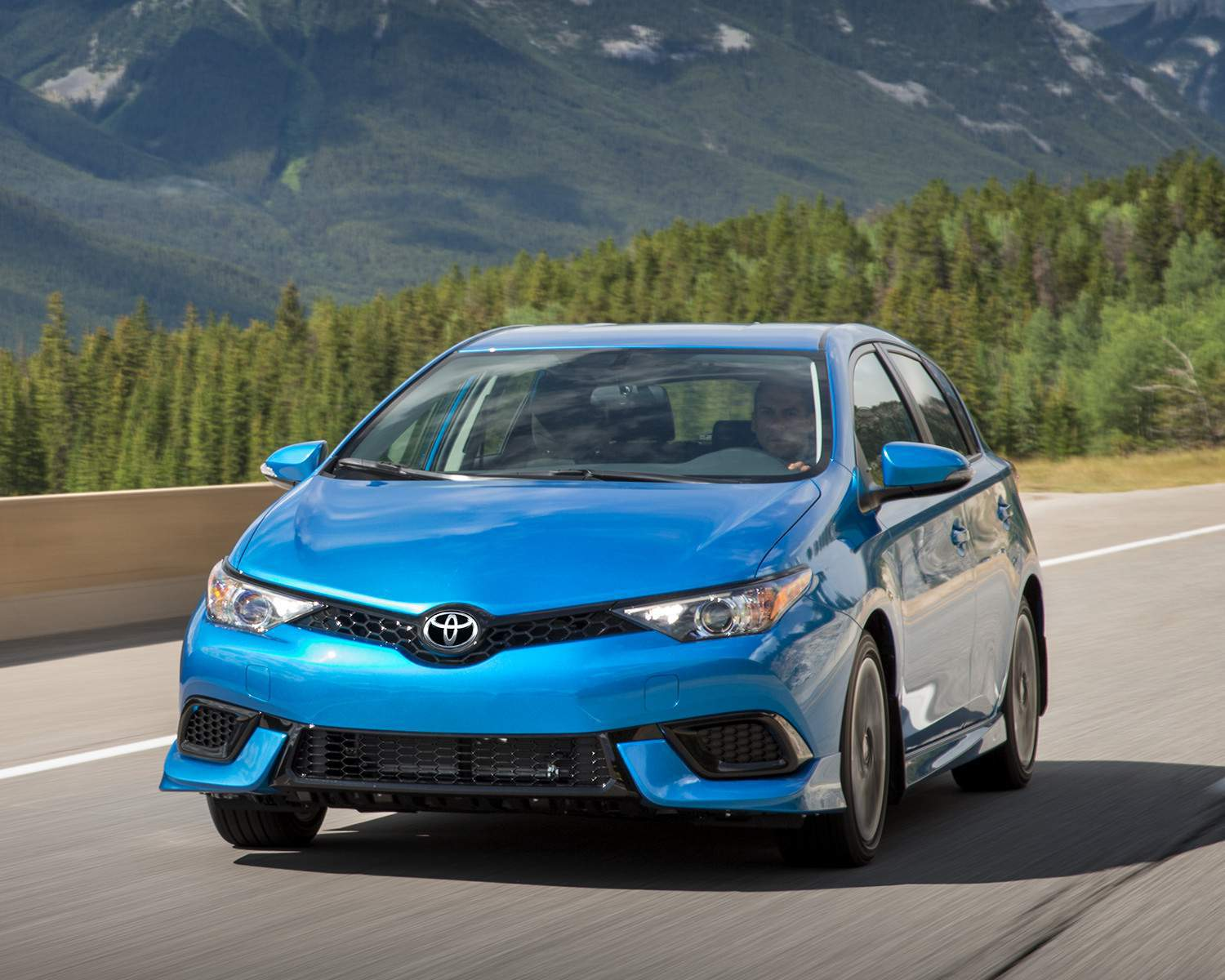 toyota-2018-corolla-im-electric-storm-blue-highway-l