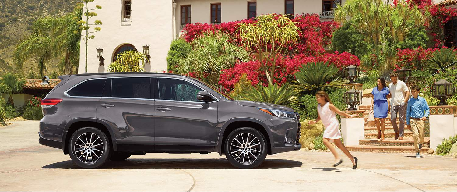 toyota-2018-highlander-xle-awd-pre-dawn-grey-mica-l