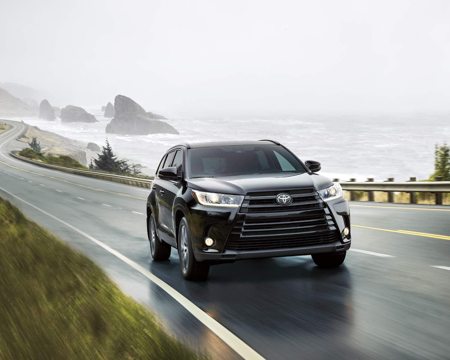 toyota-2018-highlander-xle-awd-se-midnight-black-metallic-l