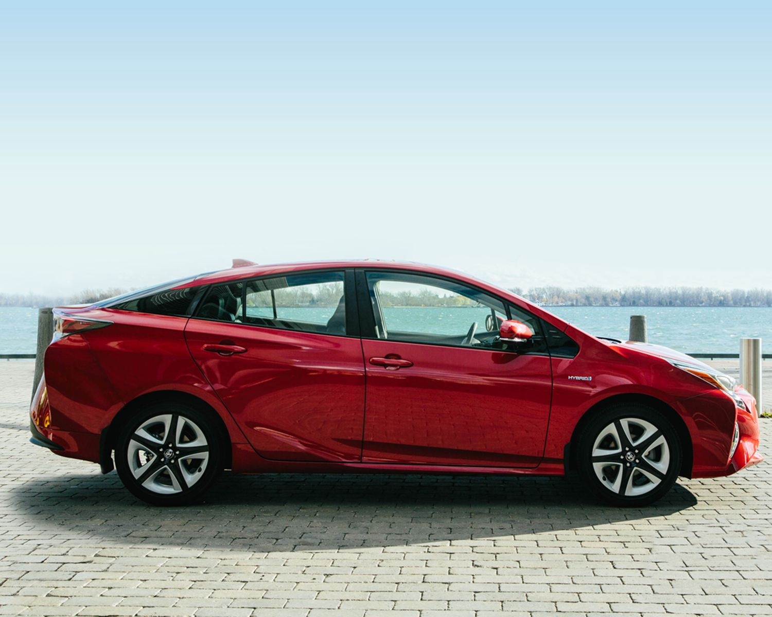 toyota-2018-prius-exterior-hypersonic-red-l