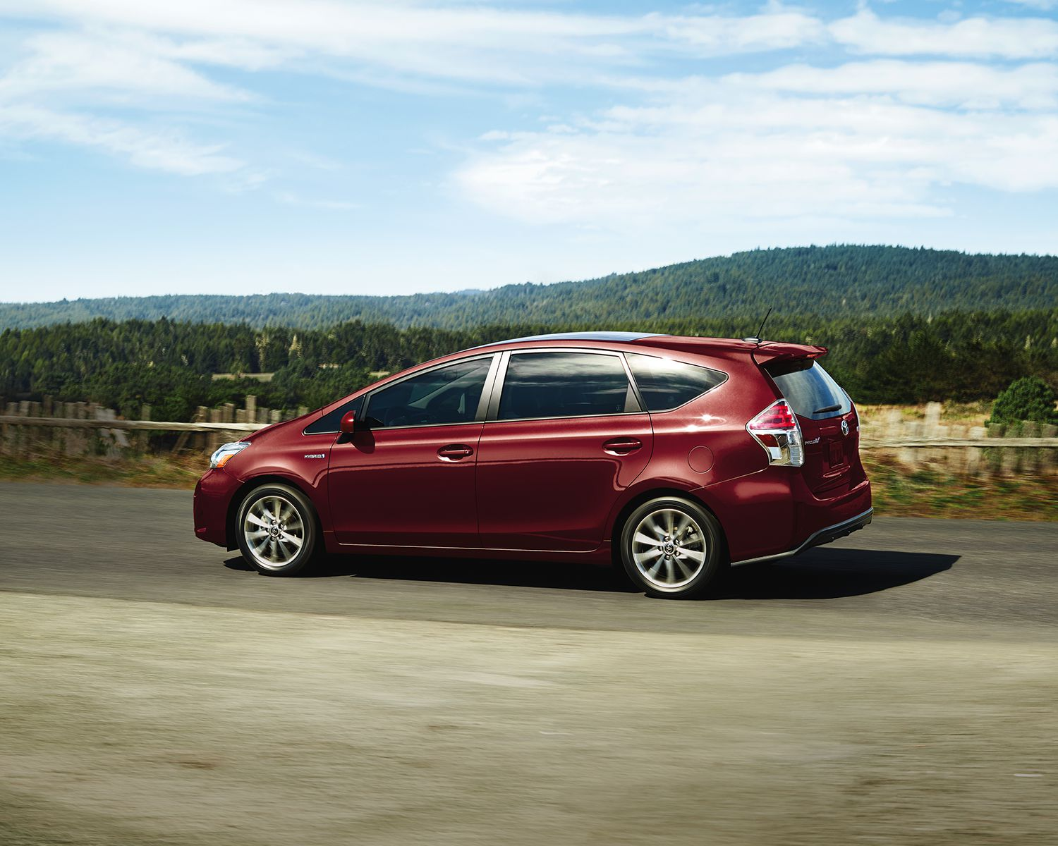 toyota-2018-prius-v-exterior-salsa-red-pearl-l