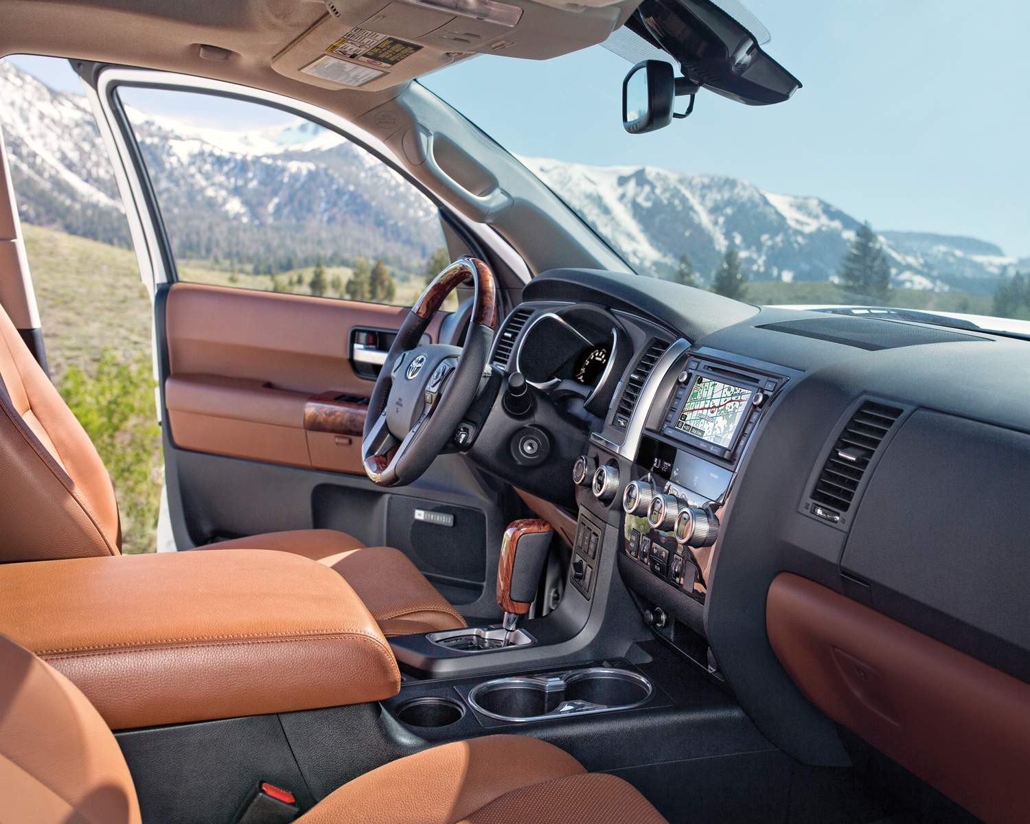 toyota-2018-sequoia-trd-sports-package-display-audio-system-with-navigation-l