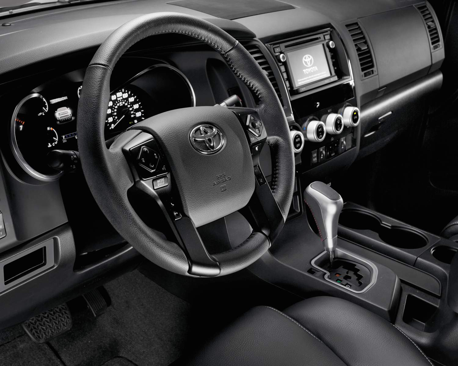 toyota-2018-sequoia-trd-sports-package-interior-l