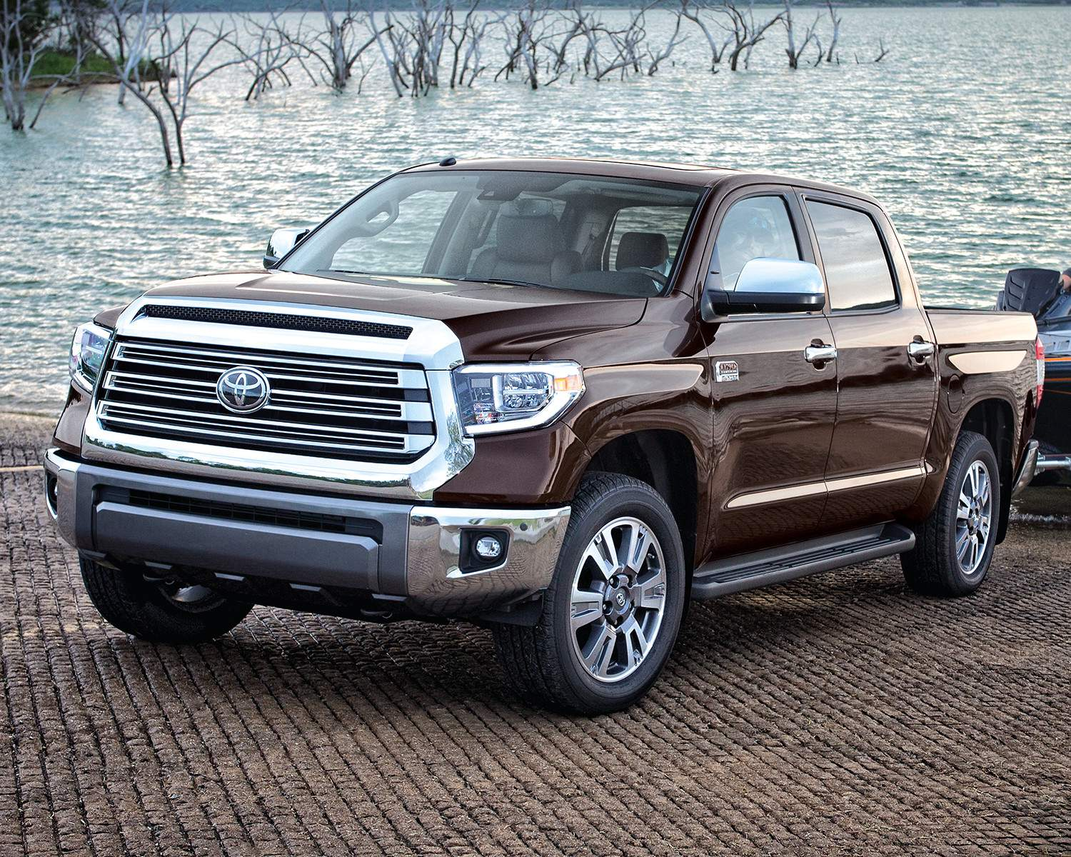 toyota-2018-tundra-4×4-crewmax-1794-edition-smoked-mesquite-left-3-4-l