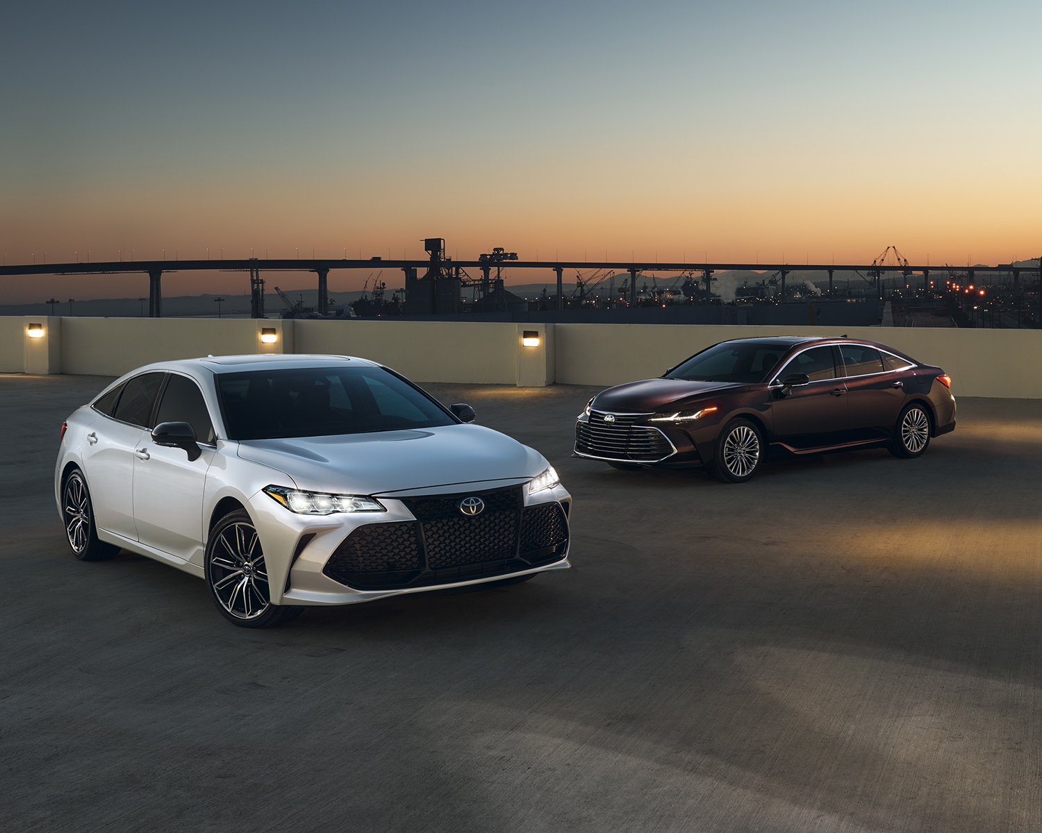 toyota-2019-avalon-exterior-xse-wind-chill-limited-opulent-amber-l